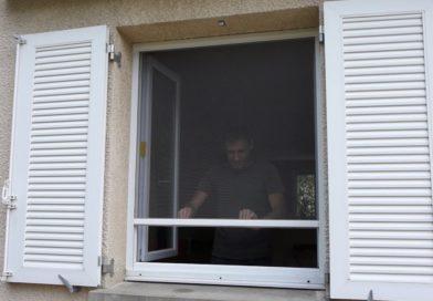 Poser une Moustiquaire pour Fenêtre